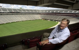 The voice of the Georgia Bulldogs, ... Larry Munson.